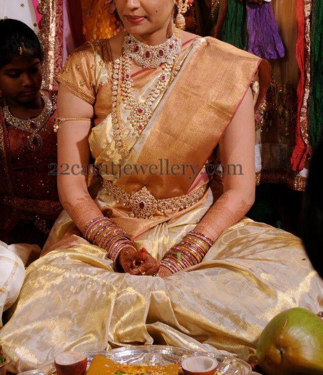 Jewellery Designs: Bride in Heavy Luxury Diamond Sets
