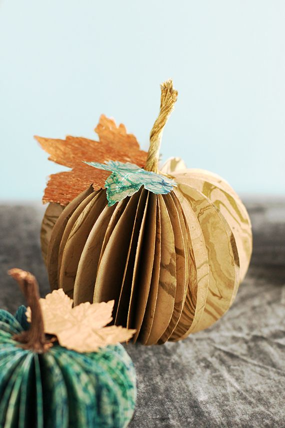Paper Pumpkin Centerpiece Write What we are thankful for on some sections
