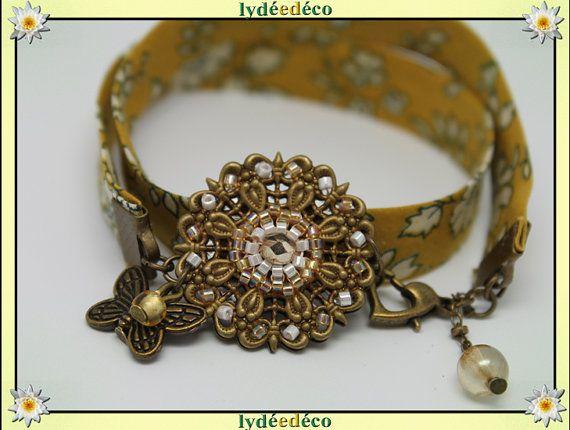 Bracelet vintage Liberty blanc jaune moutarde Fleur et par LyDDco