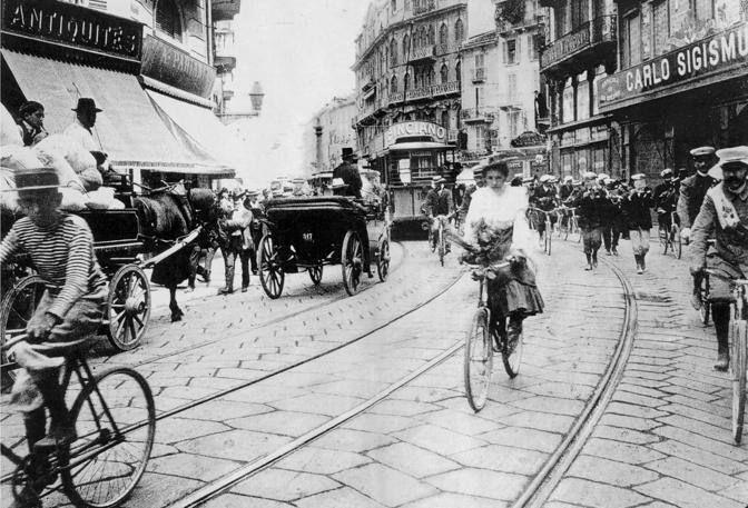 Vecchia Milano: corso Vittorio Emanuele nel 1905