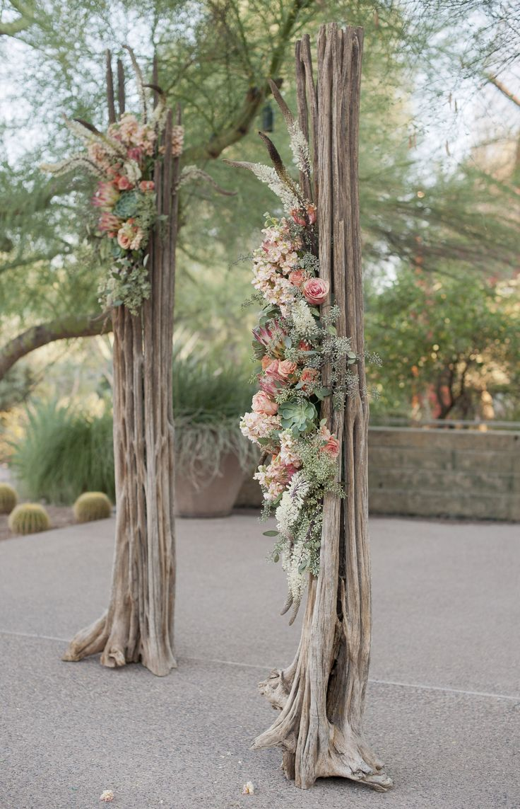 Saguaro skeleton wedding alter. Florist: Butterfly Petals