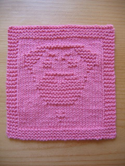 Knitted Dalek Pattern : 1000+ images about Dishcloth patterns - Cats & Dogs on Pinterest Portra...