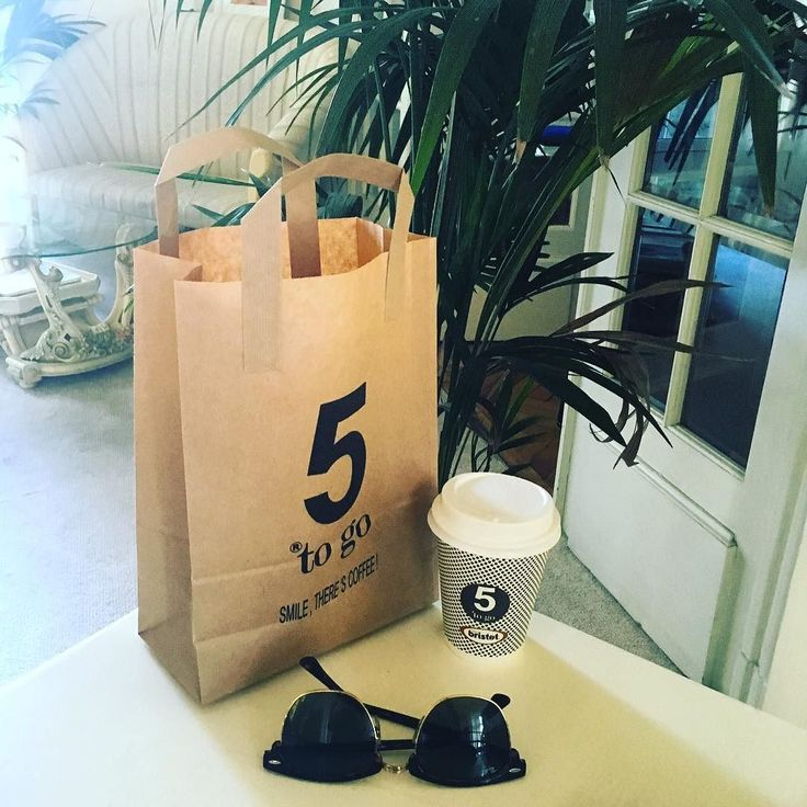 Let's take a @5_togo_coffee_shop_ #break and then have a #goodday! #morning #coffee #breakfast #ontherun #togo by rodicaionescu