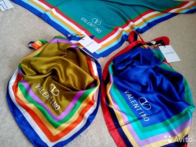 Valentino, шейный платок, 70х70— фотография №1