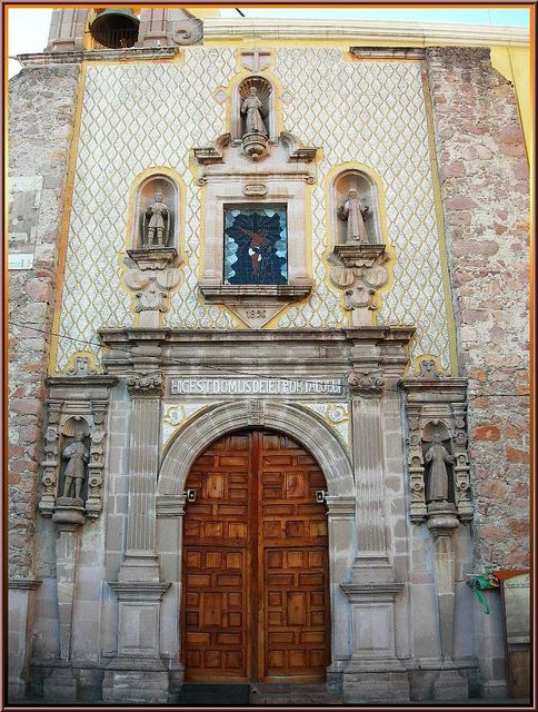 The chapel exterior -- Templo de San Diego, Aguascalientes. Although the temple ws completed in 1740, the stained glass window was not added until 1896.