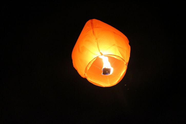 Christian Dad Responds To Sky Lantern Message From A Grieving Daughter