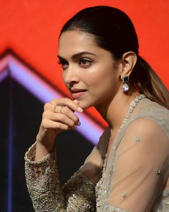 PicturePerfect :- Deepika Padukone  #LoveMom