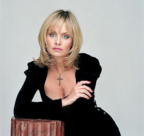 twiggy still amazing at 62 in 2019  ageless beauty