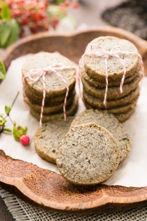 Black Sesame Cookies | Easy Japanese Recipes at JustOneCookbook.com