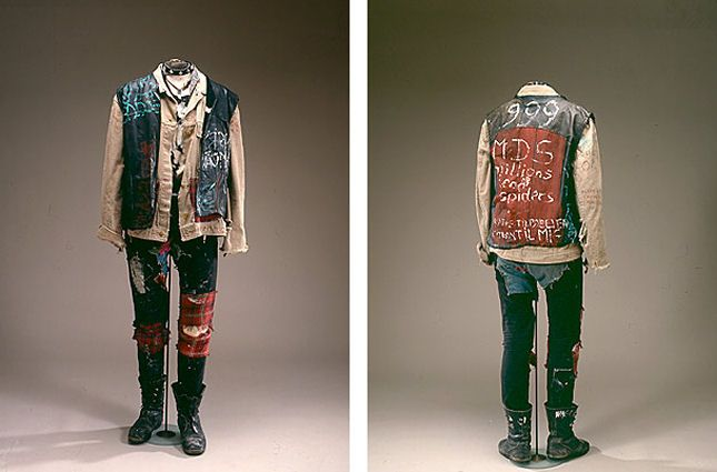 Punkertøj fra 1980'erne. Læder og maling - Nationalmuseet