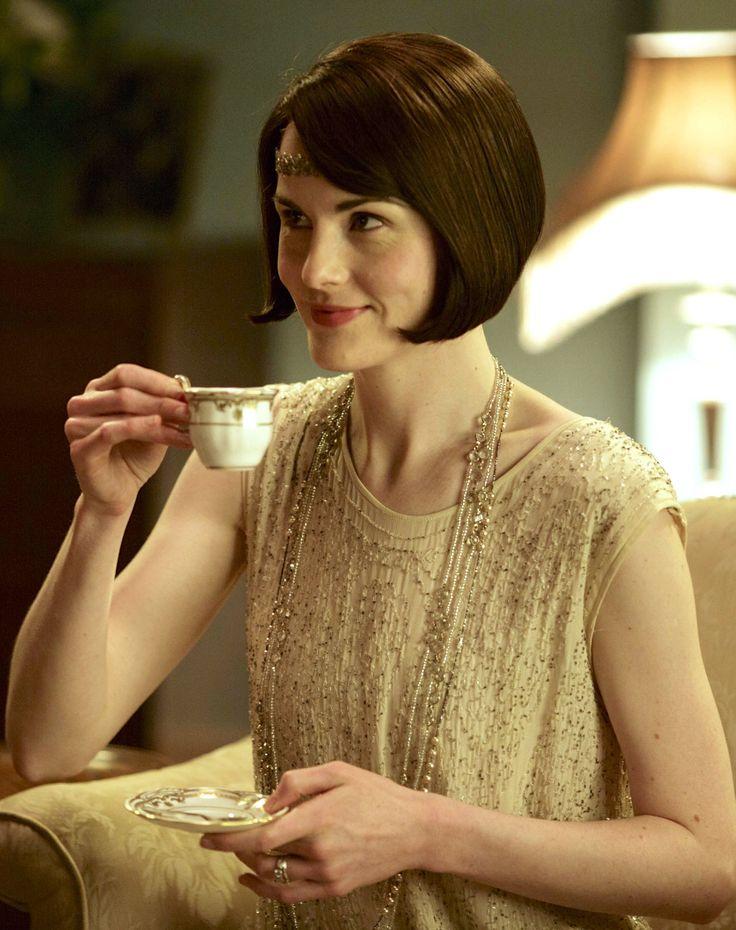 Michelle Dockery as Lady Mary Crawley in Downton Abbey (TV Series, 2015).   ..rh