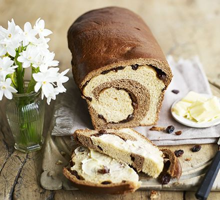Simnel spiced breakfast loaf