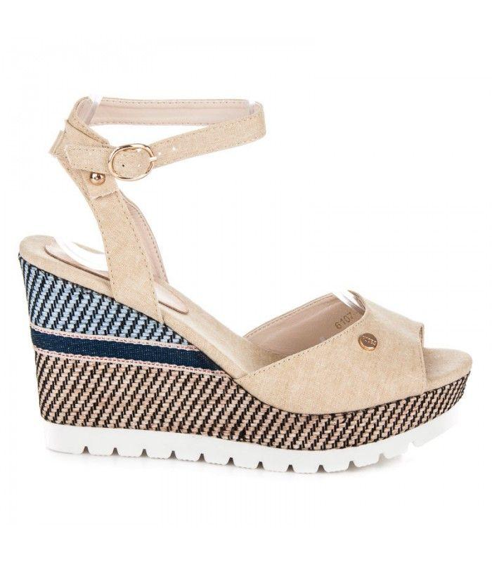 Pohodlné sandále na kline so vzorom 6107-14BE