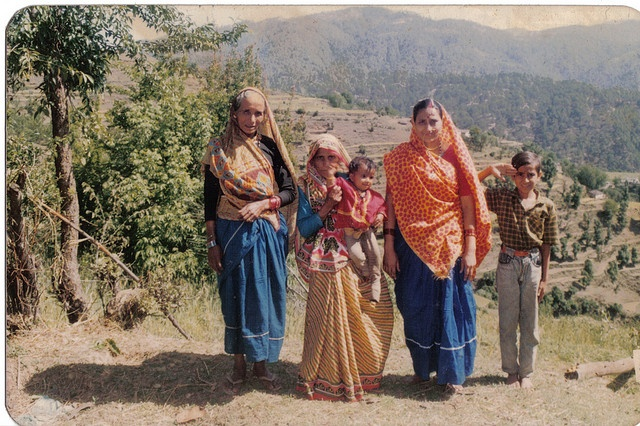traditional dress of kumaon