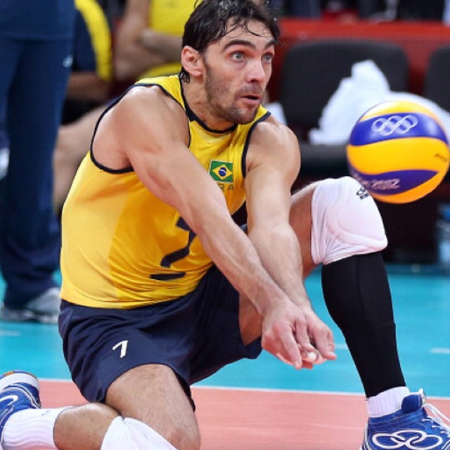 Brasil atropela Tunísia na estreia do vôlei masculino. Olimpíadas 2012.