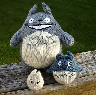 SWEET! I shall make an army of these!  New Totoro knitting pattern via Ravelry