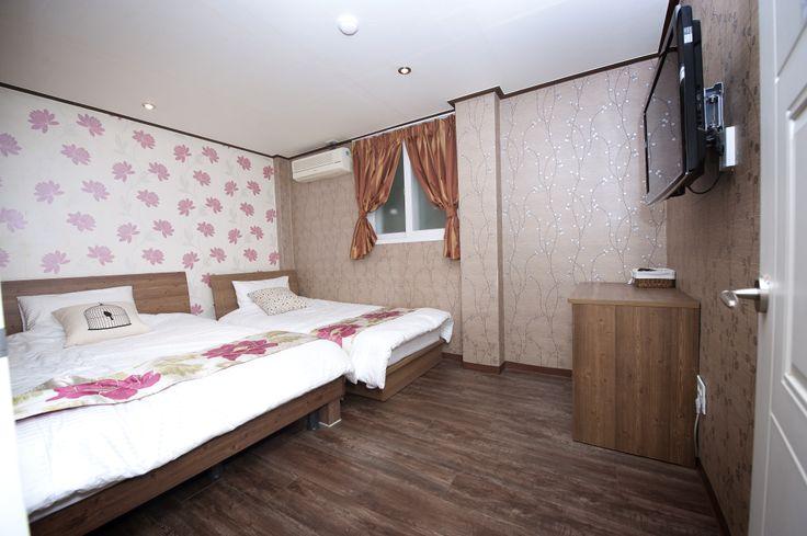 SinchonGesthouse/hostel(hongdae in seoul)