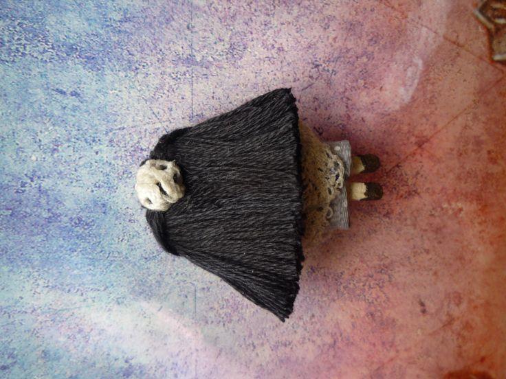 """Nuh´s Mom (espalda/back), Muñeca de trapo miniatura 1 1/2"""". Miniature rag doll 1 1/2"""". By Georgina Verbena"""