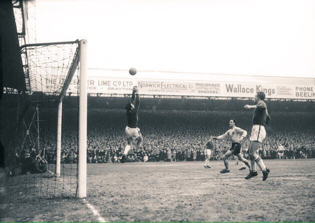 """Terrace Images on Twitter: """"Fans pack into Carrow Roads South Stand as part of Norwich City's record crowd of over 43k against Leicester in 1963 #NCFC #NorwichCity https://t.co/Rm0GnU4Cd6"""""""