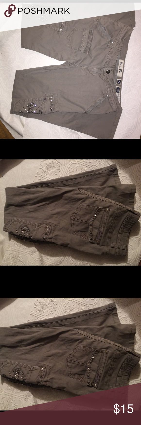 Miss me grey cargo jeans. Very good condition Size 27 cargo   Super cute and comfortable Miss Me Jeans Straight Leg