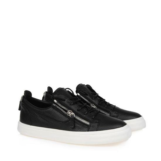 Giuseppe Zanotti Mens Low Cut Croc Zip Sneakers RDU305 002 Model:  gzmenshoes033 580 Units in Stock Manufacturer: Giuseppe Zanotti $240.00 |  Pinteres…