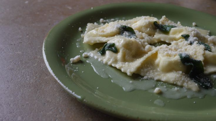Special lesson: ravioli with ricotta, butter and sage
