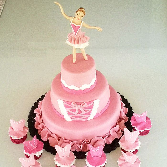 Torta ballerina tutta in rosa... cake design modelling  http://www.marypopcake.it/cakedesign-bimbi/