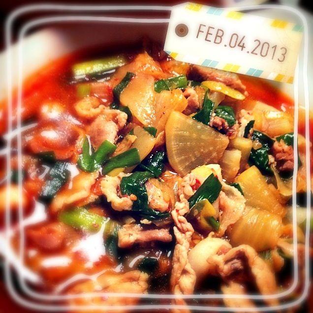 サヤスカマカンさんのレシピ★汁気が多いので、春雨入れてアレンジしても美味しいかも♪ - 8件のもぐもぐ - キムチ入り!大根と豚こま肉の炒め煮 by mihomiho414