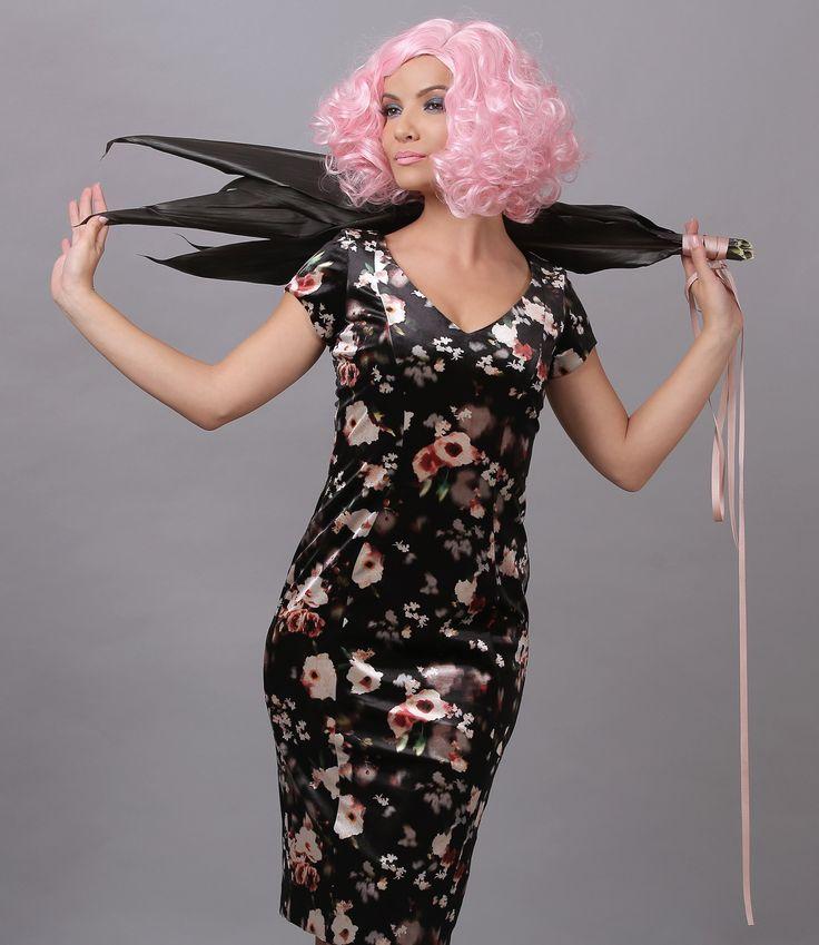 This season wear velvet! #fall17 #dress #floralprints #women #fashion #style #daytime #velvet #yokko #madeinromania