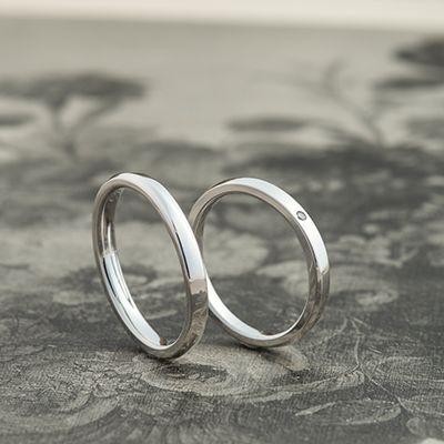 マリッジリング:Allegro uno(アレグロウーノ) やや細みのリング幅に、長く刻まれたラインが凛とした印象  [Platinum 900 marriage wedding ウエディング 結婚指輪]