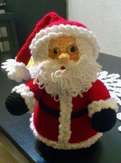 Papa Noel Amigurumi - Patrón Gratis en Español aquí: http://novedadesjenpoali.blogspot.de/2014/10/patron-santa-navideno-2.html