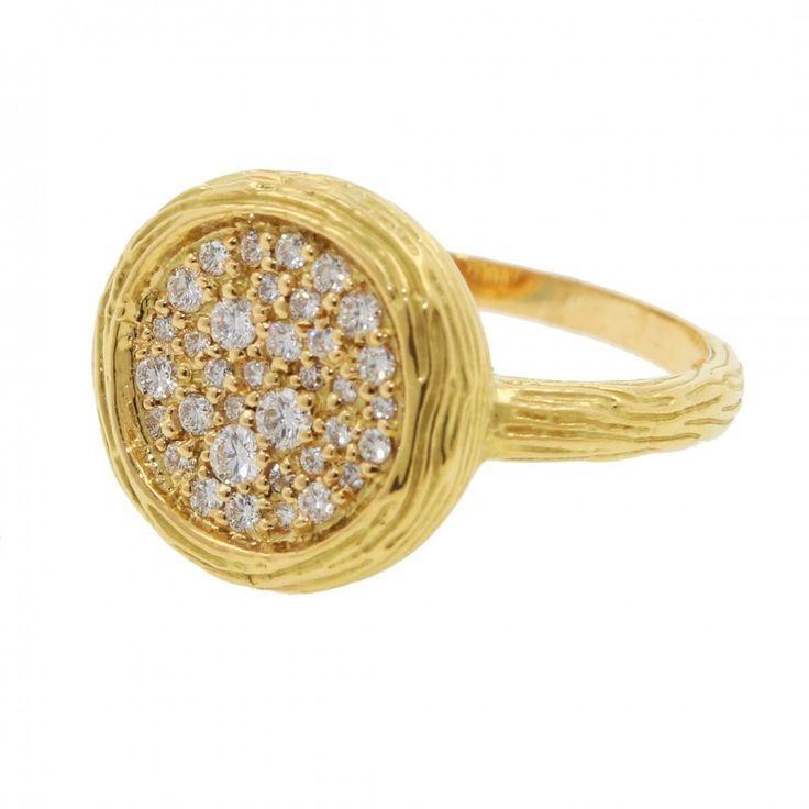 Anillo oro amarillo 18K tipo sello con Diamantes    Anillos de mujer en Joyería Marga Mira: anillos originales, finos, anillos grandes, anillos con perlas, abiertos, anchos.     ¡Porque eres única y diferente!    www.joyeriamargamira.com    joyeria en alicante centro