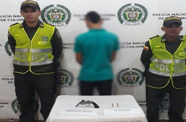 Dos menores de edad fueron aprehendidos en las últimas horas por personal policial en el municipio de Santa Rosa de Cabal, uno haciendo disparos al aire