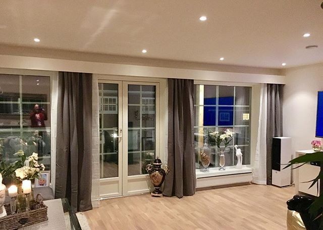 Reposting @stjernerom: ⭐️Stjernerom⭐️ Nye gardiner og nytt håndlaget gardinbrett. Kjempe fornøyd❤️ #gardiner #gardinbrett #nystue #stue #interiør #interior #myhome #mitthjem #hjemmedekor #dekor #inspiration #inspirasjon #stueinspo #livingroom #curtains #inspo #interior #interiorinspo