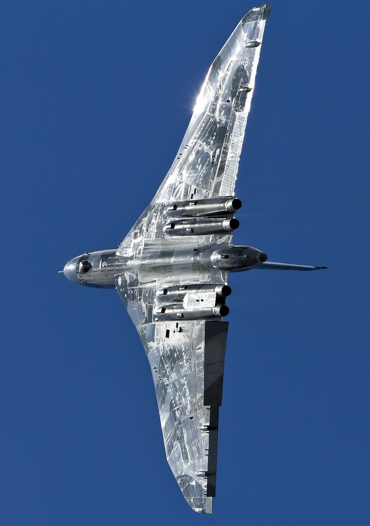 Vulcan Bomber Only 1 left flying in the world.