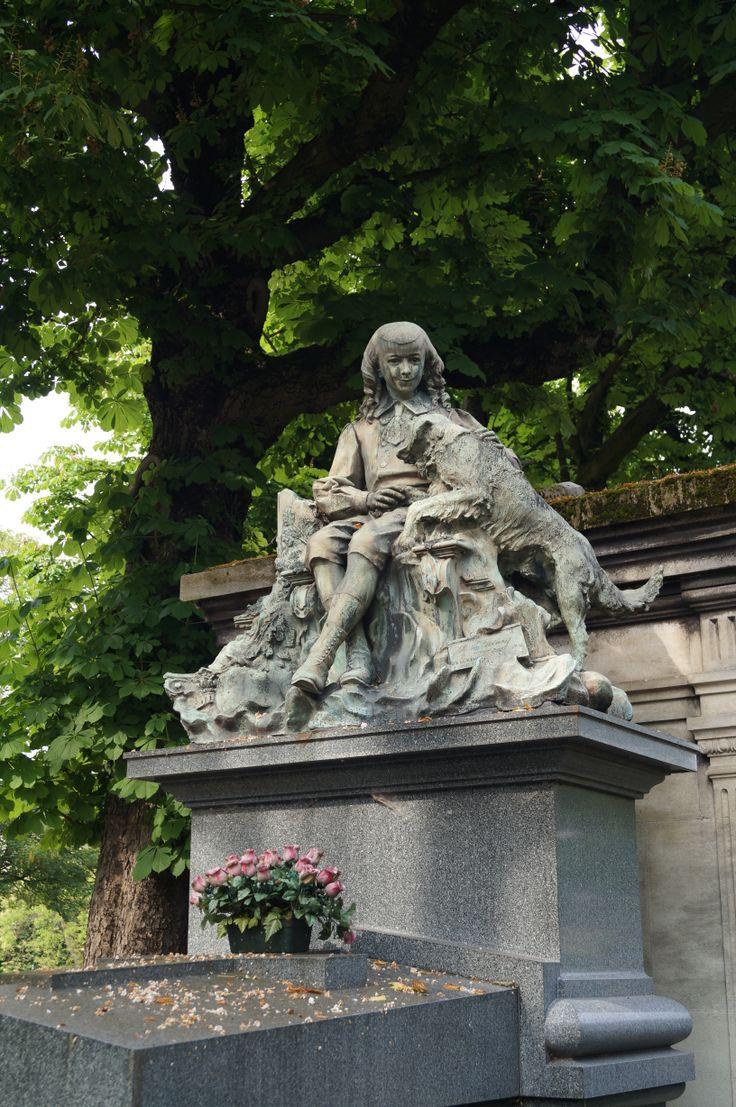 Foto tomada en el Cementerio de Pere-Lachaise, Paris.