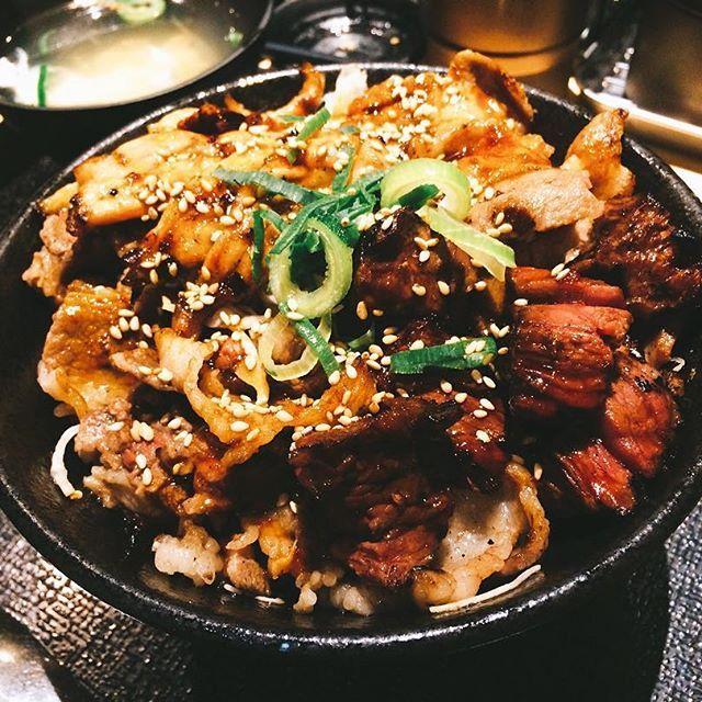 #大劇場丼 #半分も食べきれない #OC #米 #肉 #ドッサリ #ドッシリ #ズッシリ #ガッツ