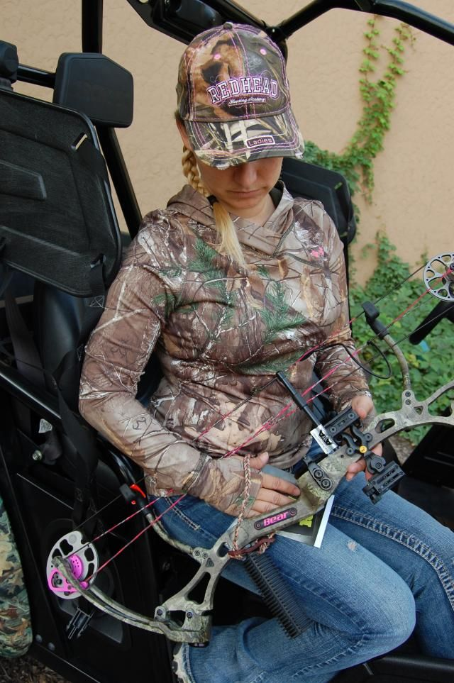 Some colorful products in women's archery now...for those who want to liven up their gear!