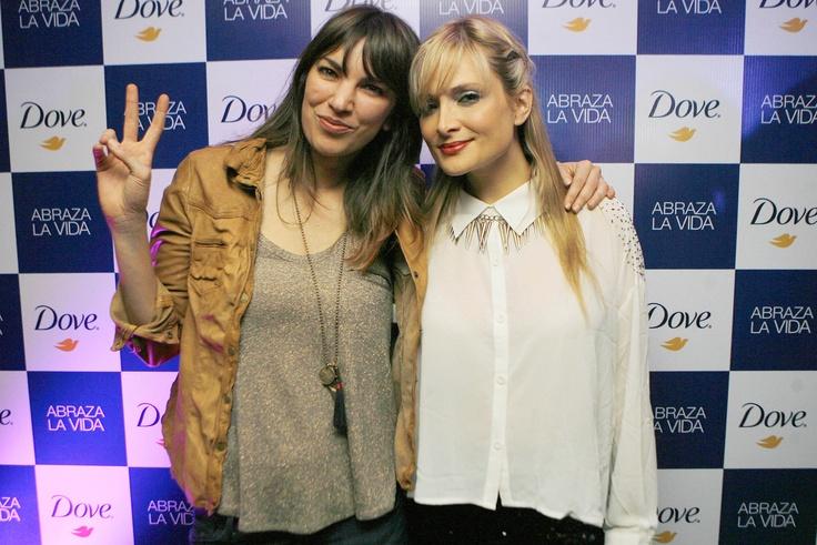 """Deborah de Corral y Nicole en la fiesta """"Vive la vida de DOVE"""""""
