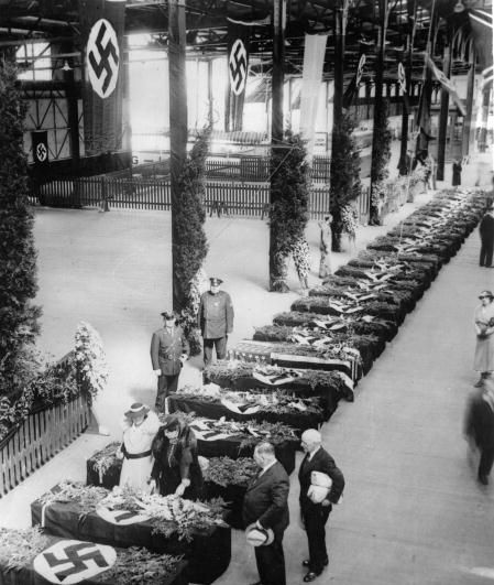 Funeral services held on Hamburg-American Pier on May 11, 1937. 10,000 members of German organizations lined the pier. | Pinterest |…
