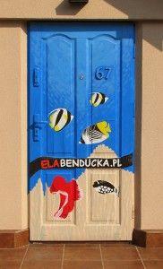 Artistic door comercial.