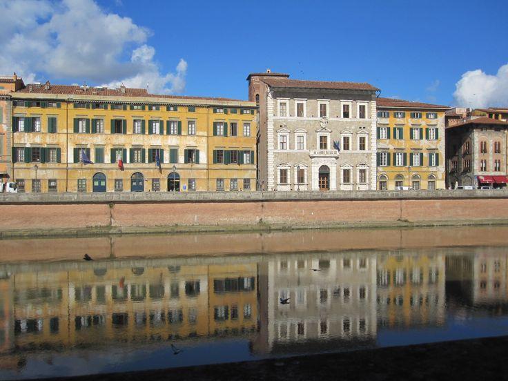 skyline palazzi langs de Arno