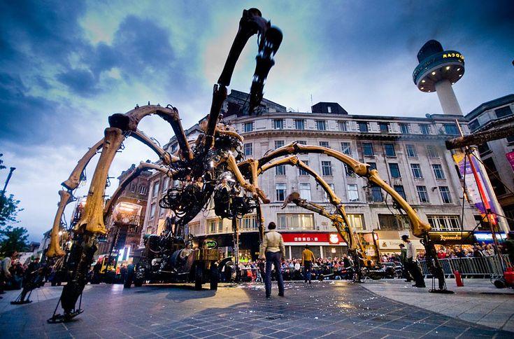 La Princesse est une araignée mécanique de 50 pieds.