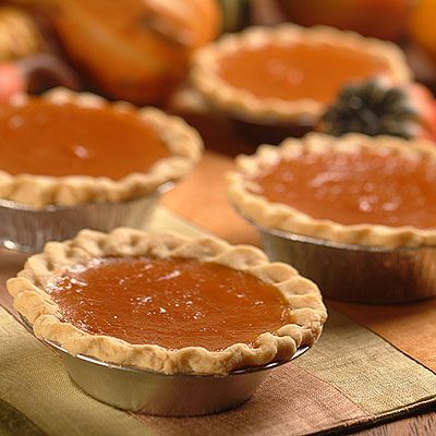 Mini Libby's® Famous Pumpkin Pies (Easy; 4 mini pies) #pumpkinpie #dessert