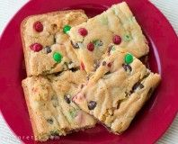 http://parentpretty.com/cake-mix-cookie-bars-recipe/