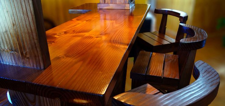 Bar fabricado en madera de pino oregón   www.aluenmuebles.cl
