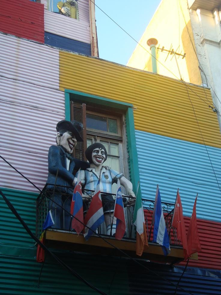 Caminito...(Bs As)... Maradona y Carlos Gardel