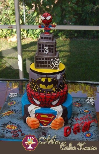 -   My son wanted 3 different cakes for his birthday party: Spiderman, Batman and Superman. We decided to design a cake that includes his three favorites superheroes... Hope you like it!