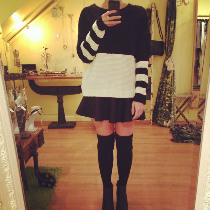 Black and white color blocking knits