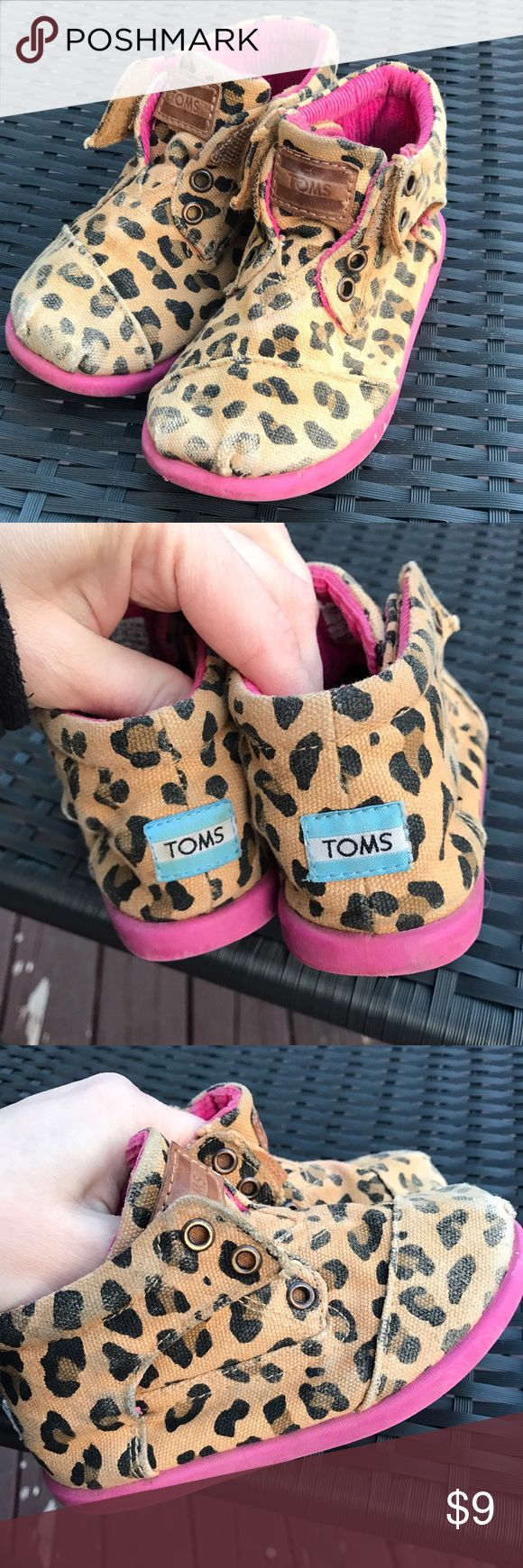 Girls Leopard Toms Shoes Used and shows signs of wear. Size 8. If you have any questions please comment below TOMS Shoes Sneakers
